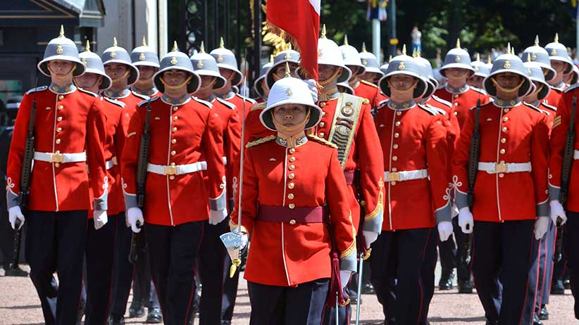 Captain Megan Couto of the 2nd Battalion, Princess Patricia's Canadian Light Infantry (PPCLI), makes history as she becomes the first woman to command the Queen's Guard at Buckingham Palace, London, Britain June 26, 2017. REUTERS/ John Stillwell