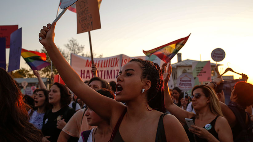 Protesters hold signs and banner as thousands gather in Istanbul on July 29, 2017 to denounce the increase in violence and abuse against women. (Erhan Demirtas/NurPhoto/Getty Images)