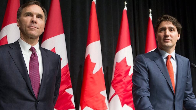 Federal Finance Minister Bill Morneau, left, with Prime Minister Justin Trudeau (Jake Wright/CP)