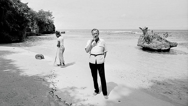 Fleming in Jamaica in 1964 (Harry Benson/Getty Images)