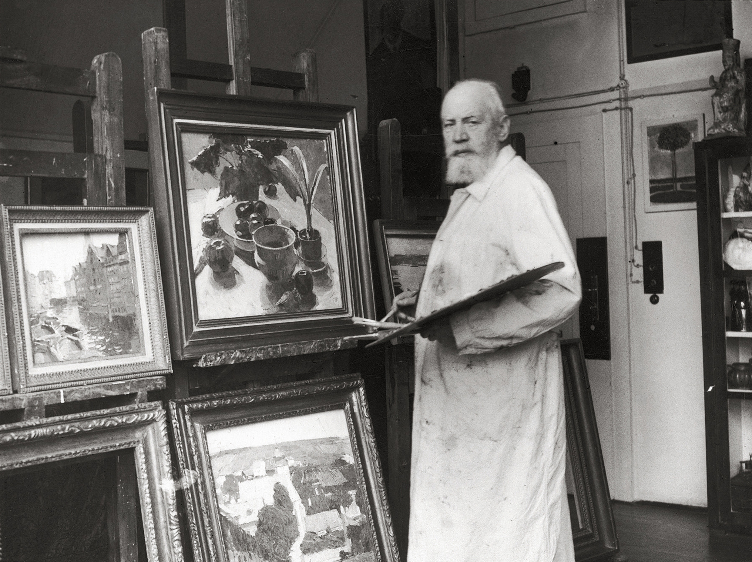 Moll, an unrepentant anti-Semite, helped found the Vienna Secession art movement with Klimt (Imagno/Getty Images)