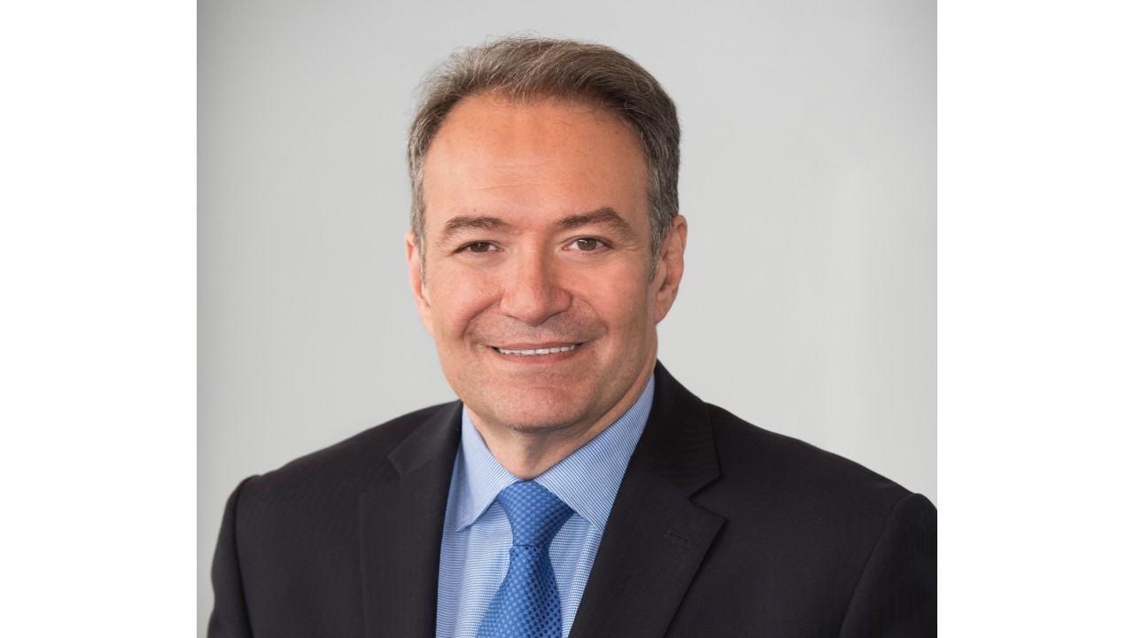 Headshot of president and CEO of University Health Network (UHN), Dr. Kevin Smith