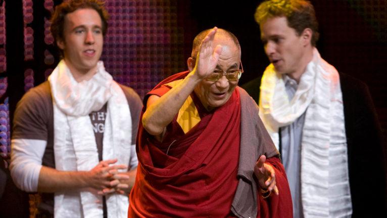 The Kielburger brothers and the Dalai Lama (Jonathan Hayward/CP)