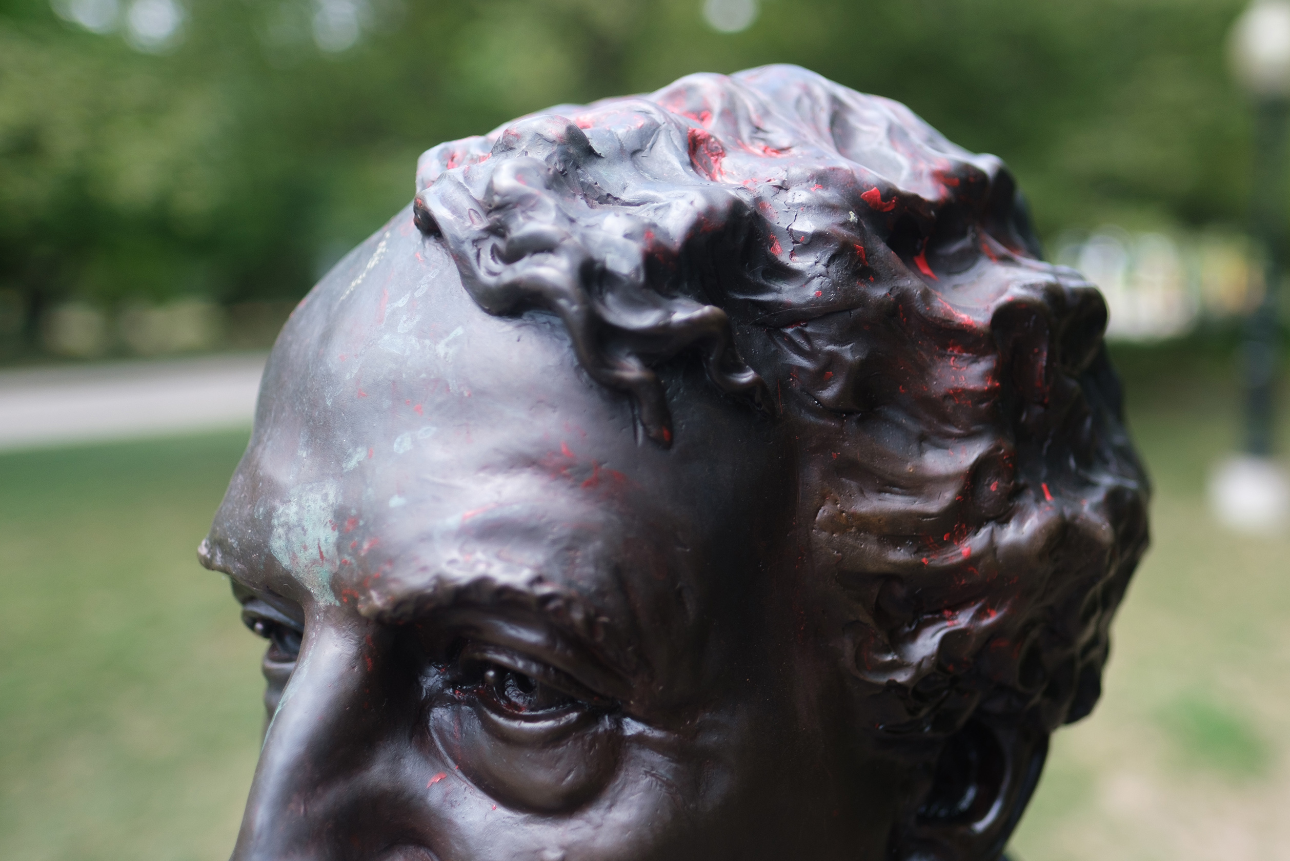 Red paint is still visible on the sculpture of Macdonald at the entrance of The Prime Ministers Path in Wilmot, Ont. (Photograph by Yader Guzman)
