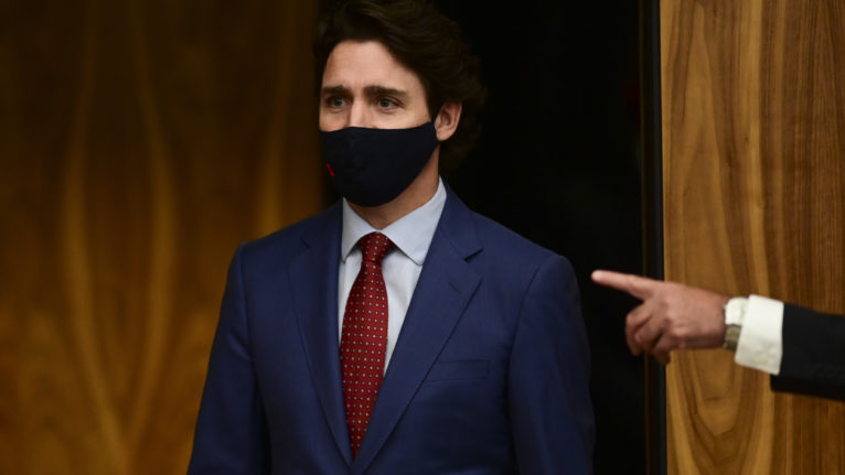 Prime Minister Justin Trudeau makes his way to a press conference in Ottawa on Oct. 16, 2020 (CP/Sean Kilpatrick)