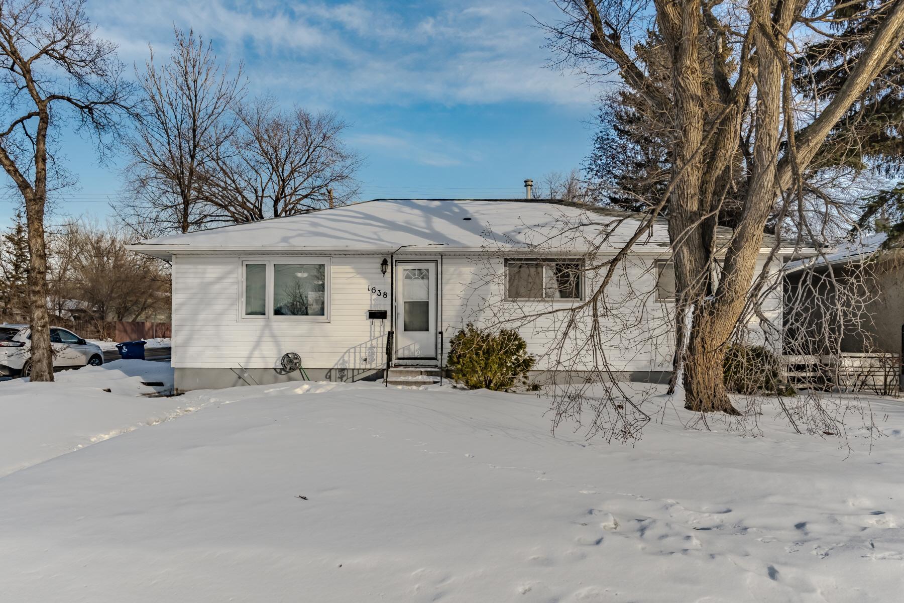 ساسکاتون ، ساسک.  307،500 دلار (با مجوز از Brent Herman / Realty Executives Saskatoon)