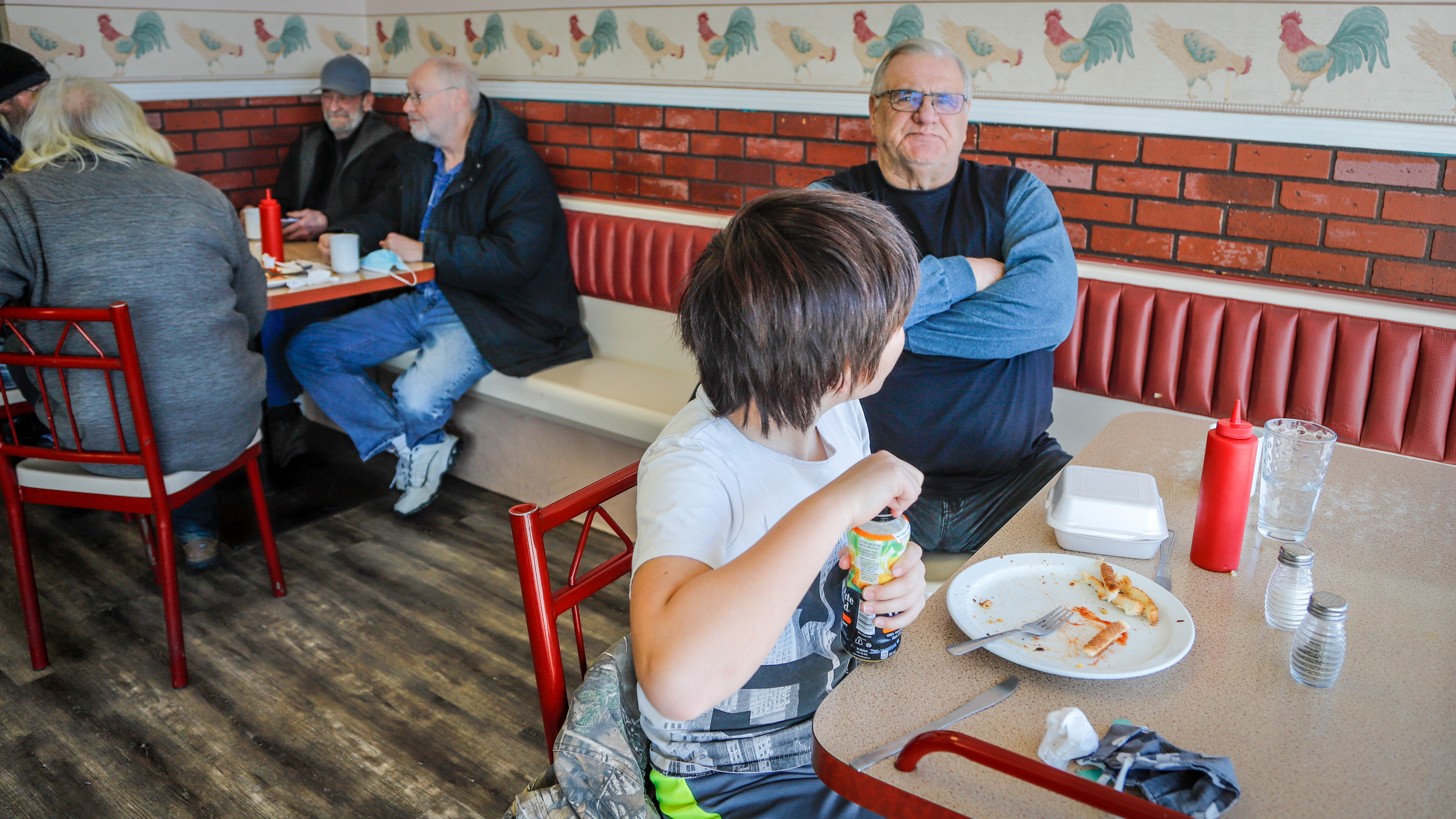 Albertans enjoyed dining indoors at restaurants again as the province began to ease restrictions in early February 2021 (Jeff McIntosh/CP)
