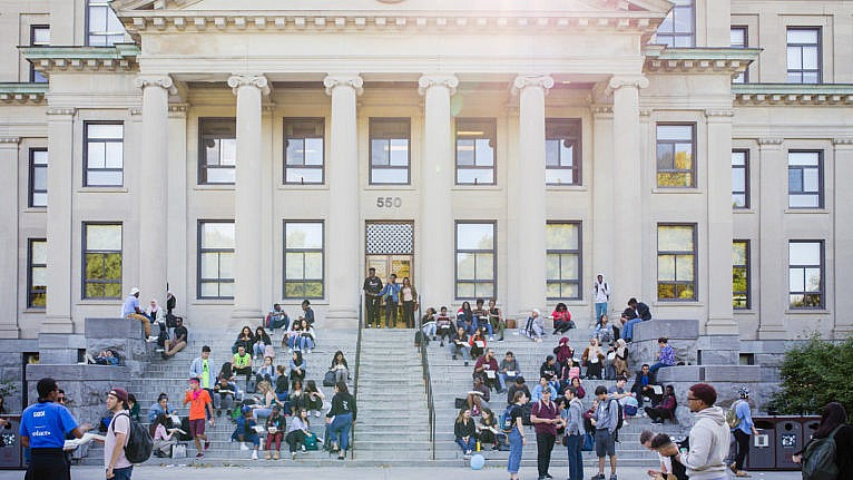 University of Ottawa students on campus