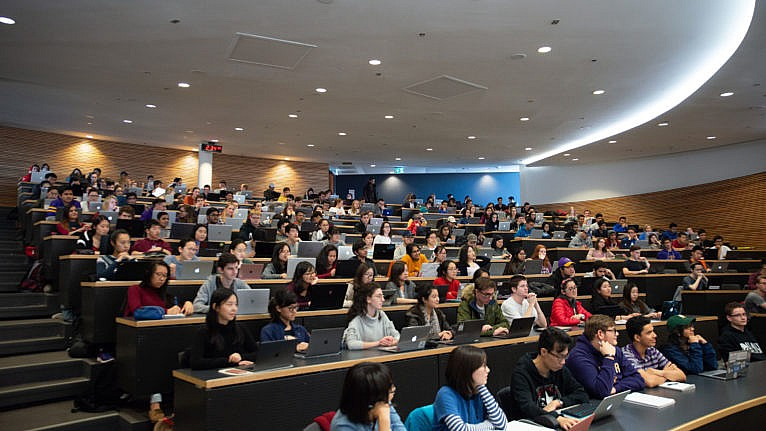 Wilfried Laurier students in lecture