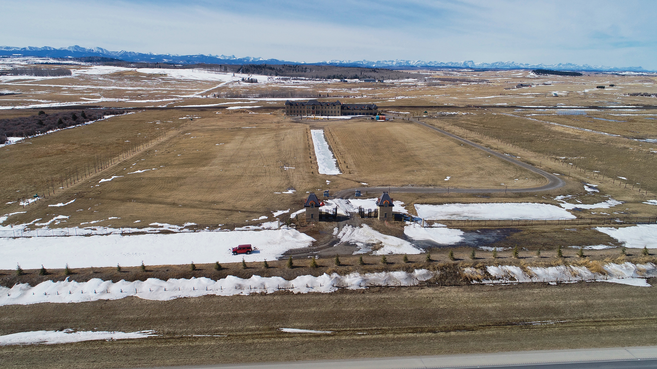 The 11,000-sq.-foot house sits next to Hwy. 22 outside Calgary (Photograph by Sam Kazerooni)