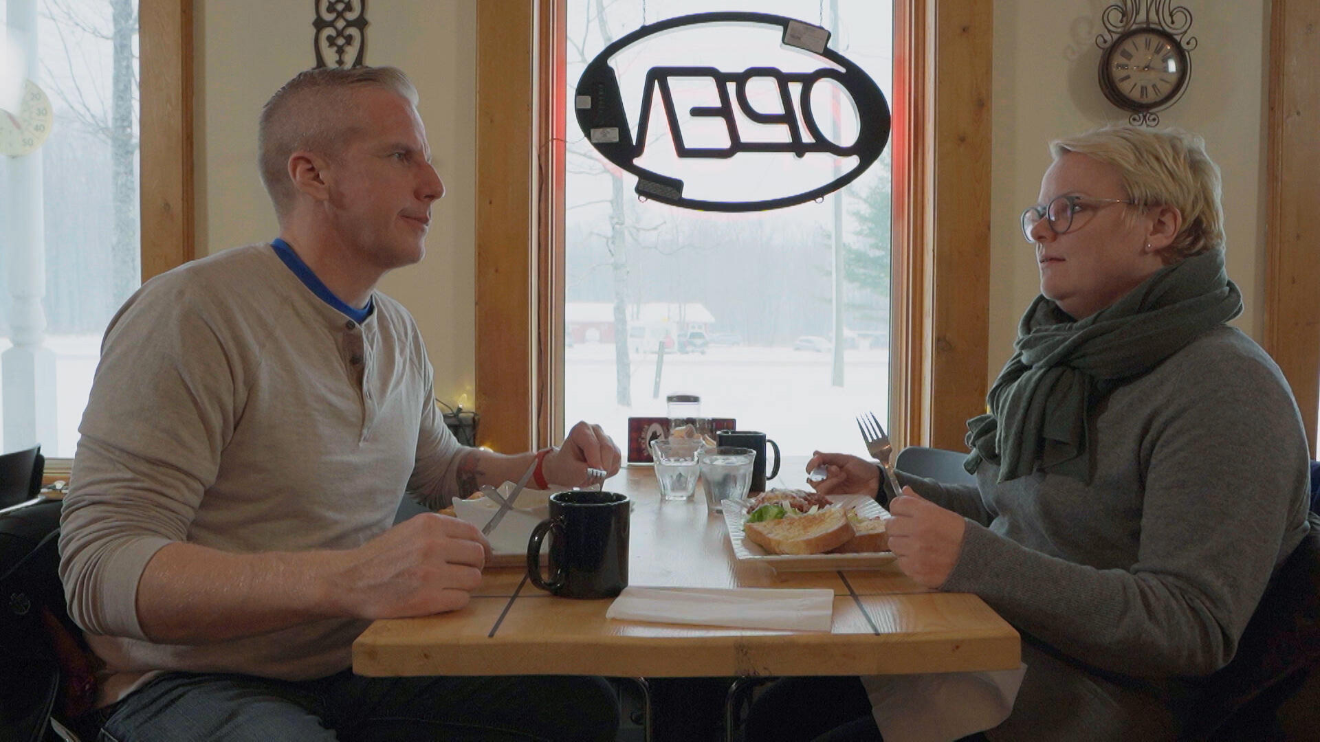 Roy Rissanen on a date in his hometown (Courtesy of MTV3)