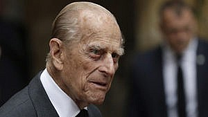 Britain's Prince Philip, Duke of Edinburgh leaves after attending the funeral service of the 2nd Countess Mountbatten of Burma, Patricia Knatchbull at St Paul's Church in Knightsbridge, London on June 27, 2017. (Photo by Matt Dunham / POOL / AFP) (Photo by MATT DUNHAM/POOL/AFP via Getty Images)