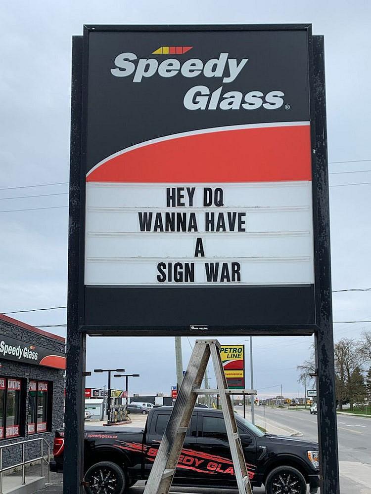 (با احترام از Speedy Auto Glass Listowel)