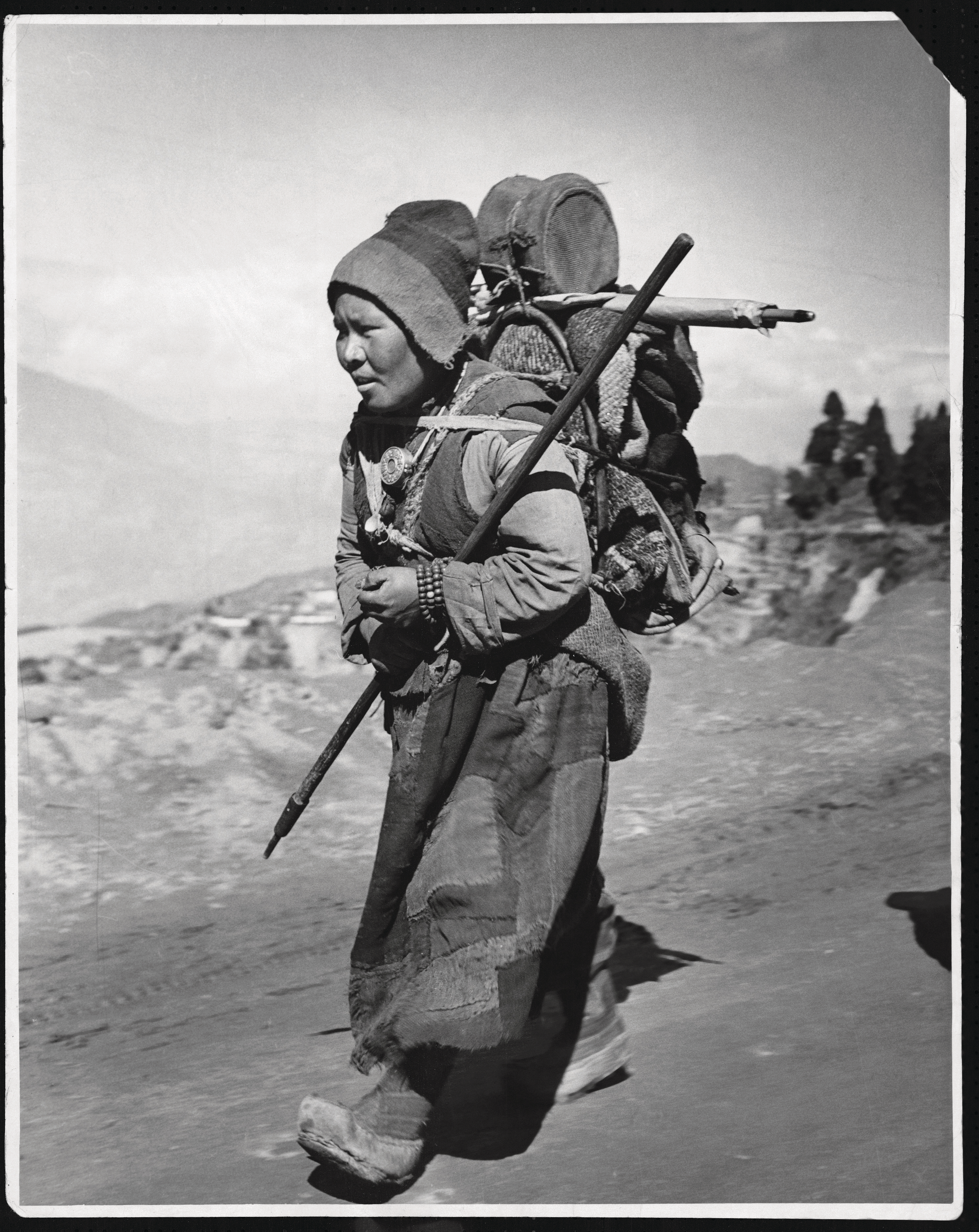 A Tibetan woman fleeing her country in 1950 (Hulton-Deutsch Collection/Corbis/Getty Images)