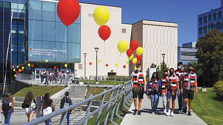 Students stay masked at a 2021 orientation event outside the University of Calgary's Schulich School of Engineering (Courtesy of Schulich School of Engineering/University of Calgary)