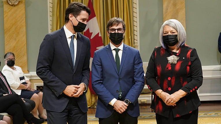 Trudeau sends a signal to Alberta. Cue the squirming.