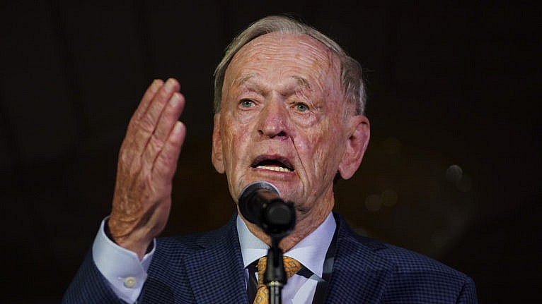 Jean Chrétien chides Justin Trudeau over slow efforts to free the two Michaels